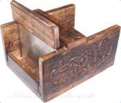 Seifenschneider aus Holz im Antiklook